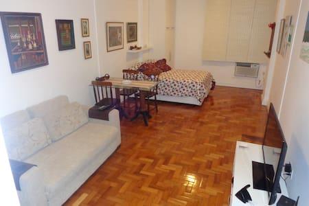 Excelente estúdio  em Copacabana - Apartamento