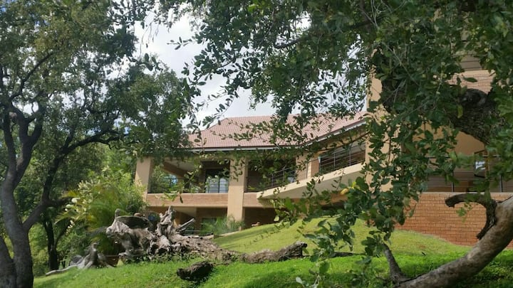 2 Bdrm - Elephant & Marula with Kruger Park View