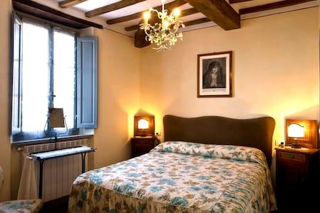 Camera matrimoniale - Roccalbegna - Bed & Breakfast