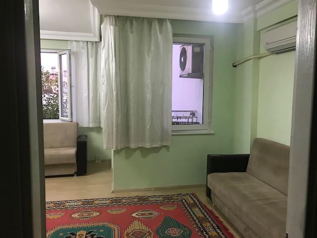 Kendinize özel oda. Ortak kullanımlı banyo wc
