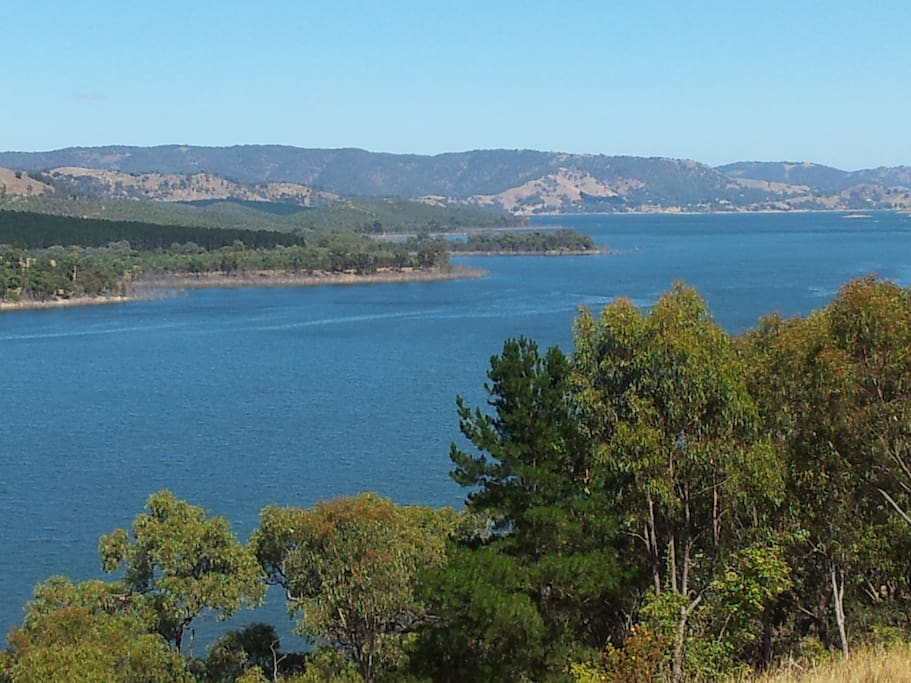 Surrounded by Lake Eildon and  mountains