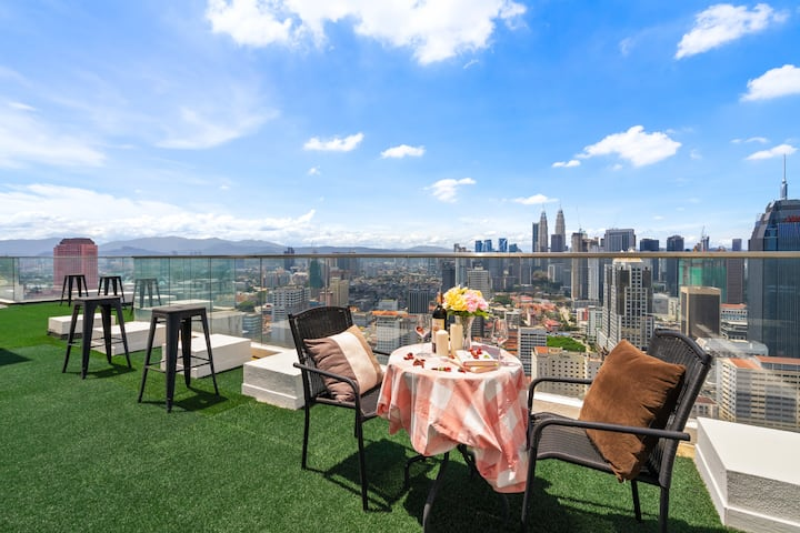 (D) Private Room in PENTHOUSE with KLCC view