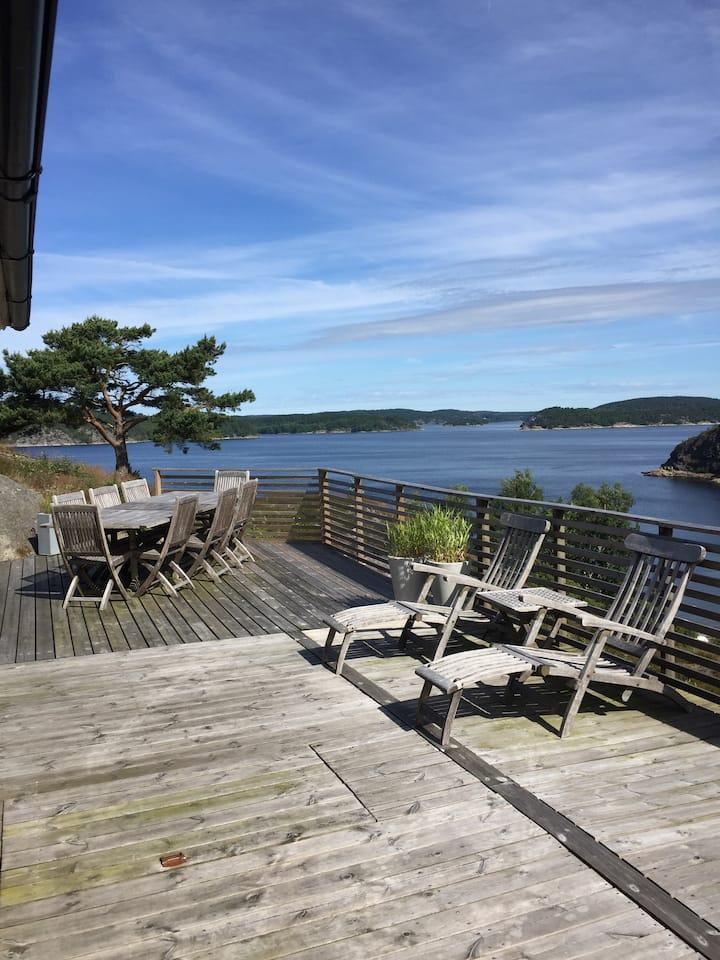 Sommarstuga med gäststuga i Hällebäck nära Lysekil