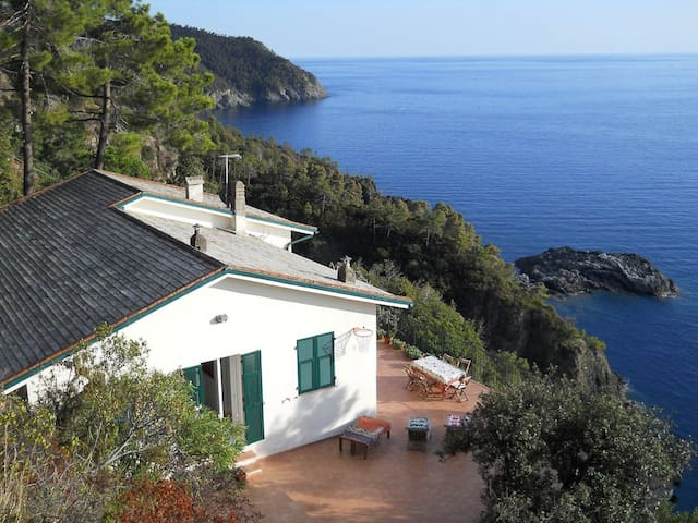 Exclusive villa in the 5 terre area - Framura - House