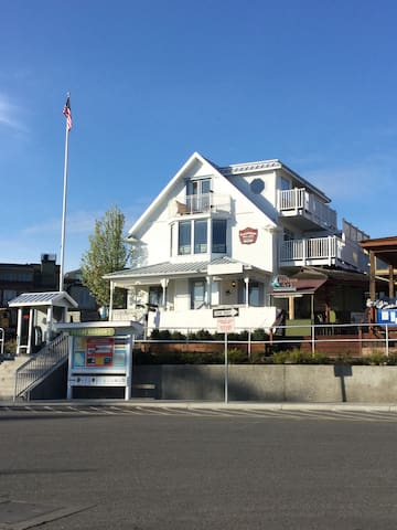 An exterior view of the building. The suite is within walking distance to all of the wonderful restaurants and shops in Friday Harbor.
