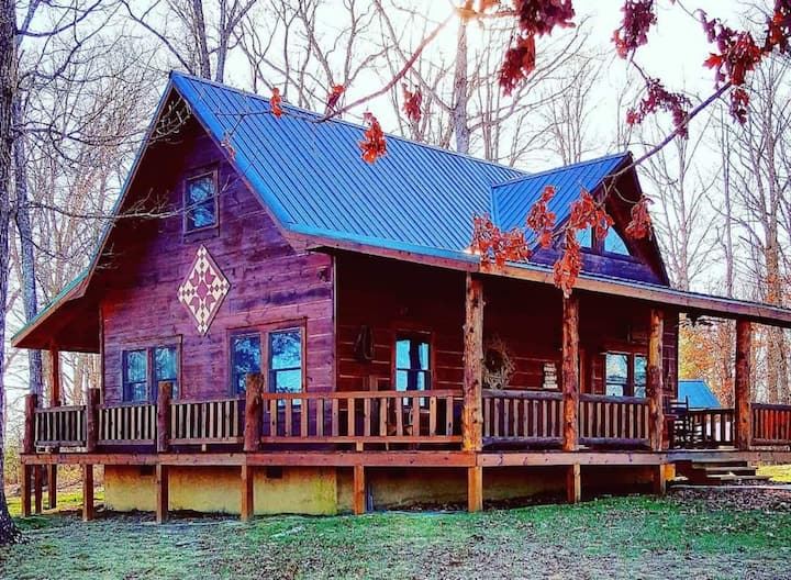 Angel Falls Retreat for nature lovers and riders!