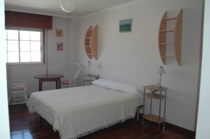 Ribeira, very spacious and bright, with garage