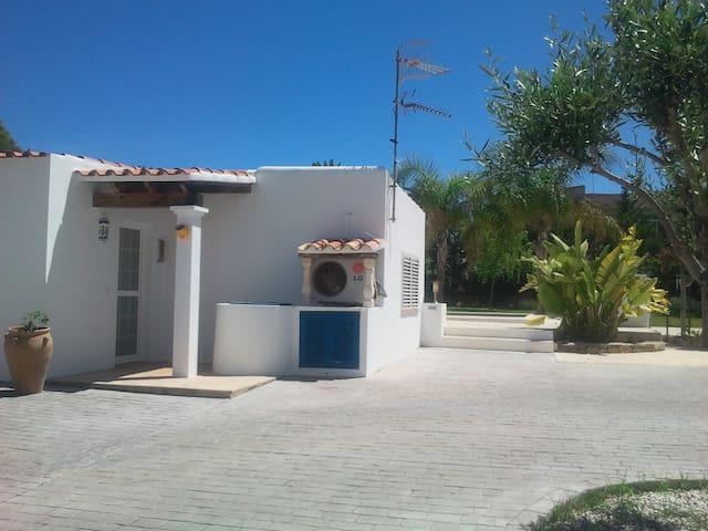 Pequeña casita Cala de Bou - Ibiza - San Agustín