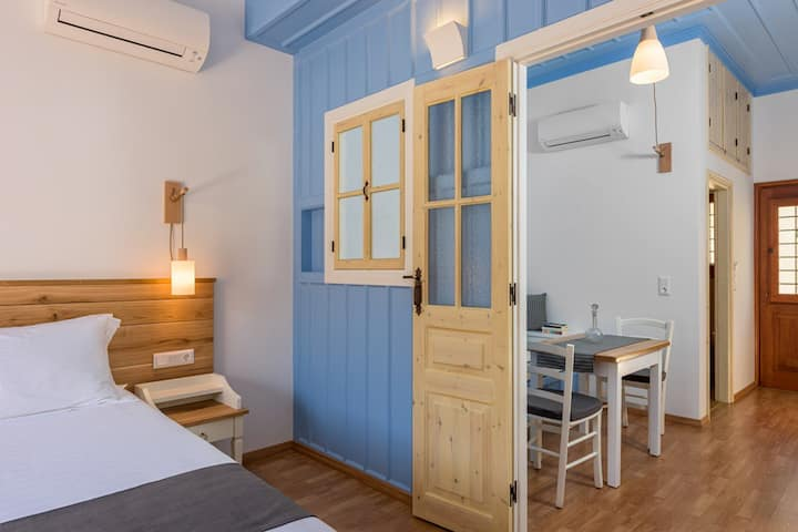 Deluxe Studio with Private Balcony and Sea View A