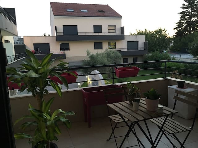 Appartment near Orly's airport & 15min. from Paris - Villeneuve-Saint-Georges