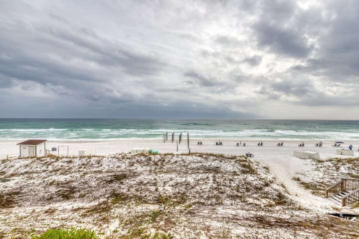 Condo w/ Gulf View! Grill, Pools, Beach Access, Near shops and dining!
