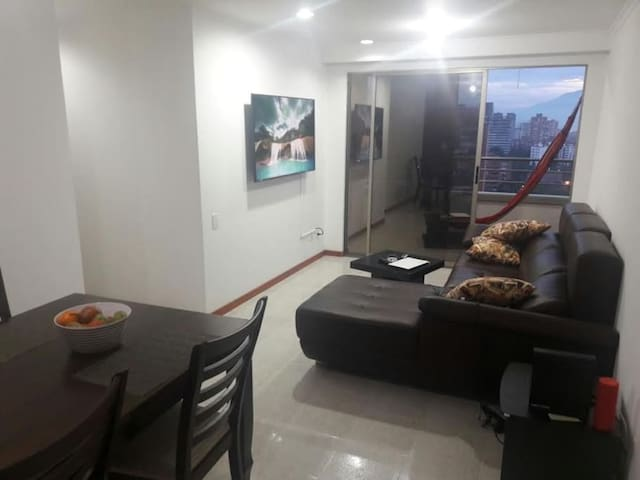 Perfect Location in Poblado Room #2
