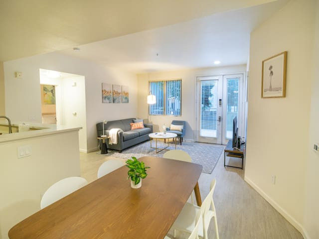 Kasa | San Jose | Luxury 2BD/2BA Downtown Apartment
