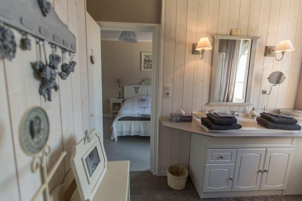 aux petits bonheurs chambre cosy chambres d 39 h tes. Black Bedroom Furniture Sets. Home Design Ideas