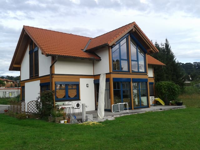 Haus im Grünen mit Wintergarten - Rubring