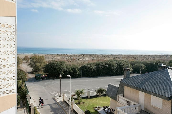 Alberto Beachside Abode - Sagunt - Appartement