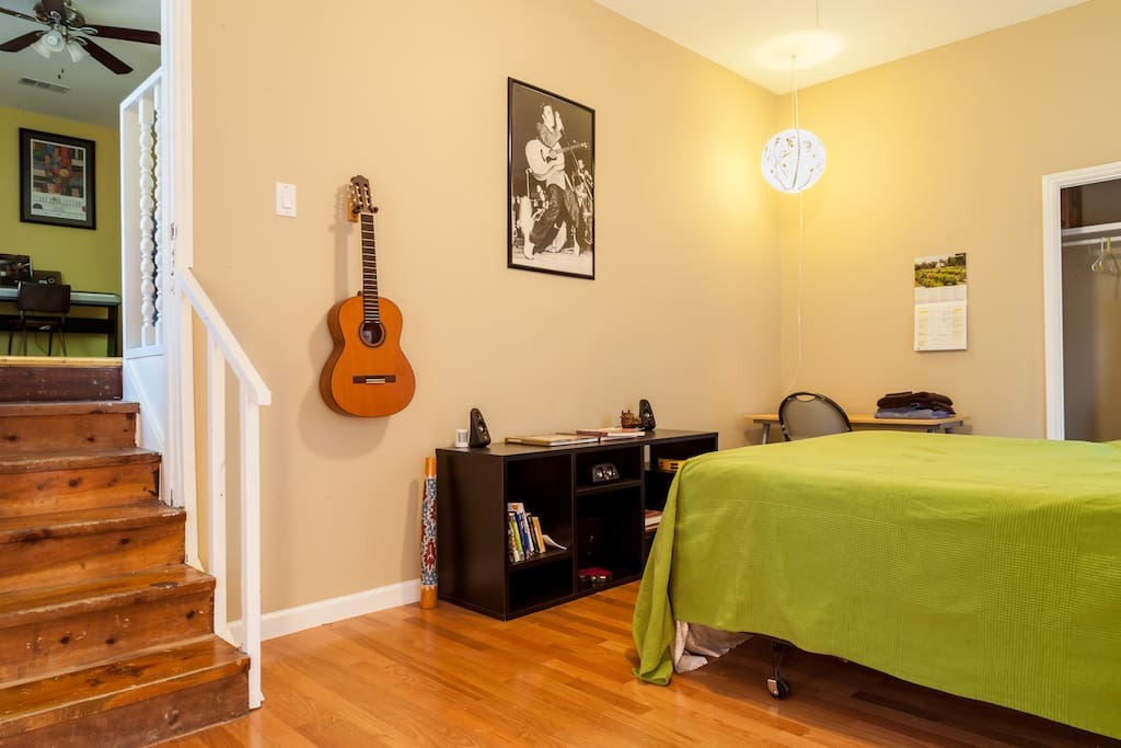 Music house with great porch houses for rent in austin for Great house music