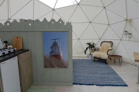 Uniek op Texel, slapen in een Glamping Dome