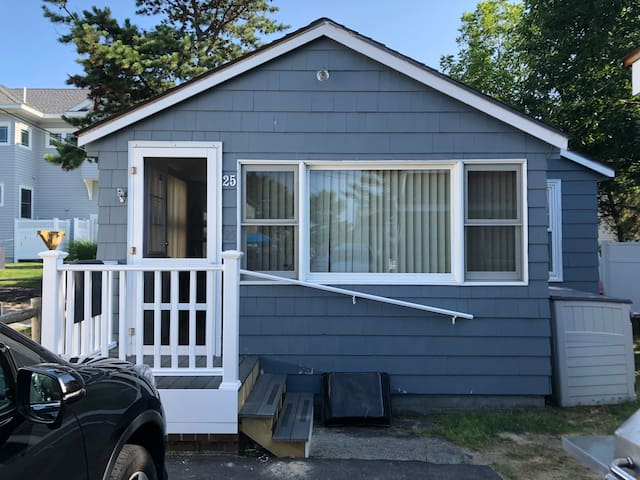 Oceanside Cottage 2 Bedroom! #25 Cottage Ave