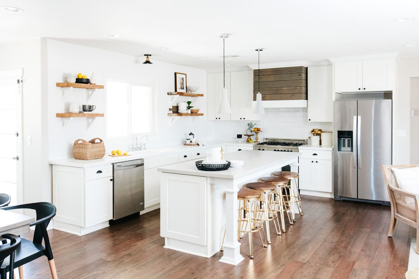 Bright kitchen that opens up to the dining and living room! Everything to cook a nice meal!