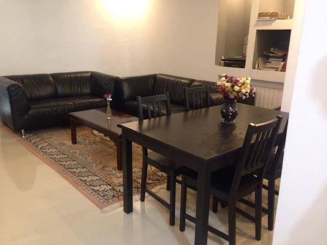 appartement meublé S+2 à Tunis - แอเรียน่า