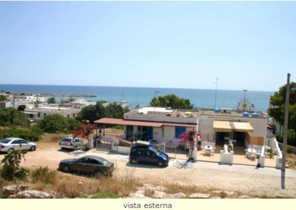 Panoramica dell'accesso con vista mare