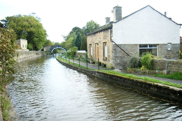 Canal-side relaxing escape, near Skipton.