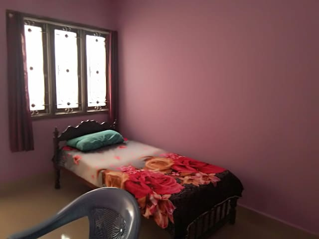 RT Nagar.Best Location. Decent Living.Safe. Room3