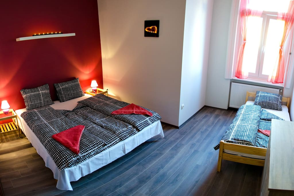Room 2:Double bed with ensuite bathroom.Extra (comfortable)bed possibility on request.This room is for 3 persons.