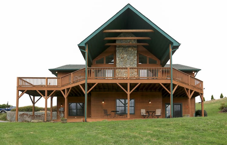 SPRING SPECIAL 4BR Family Cabin w/Hot Tub & Views - Waynesville - Hus