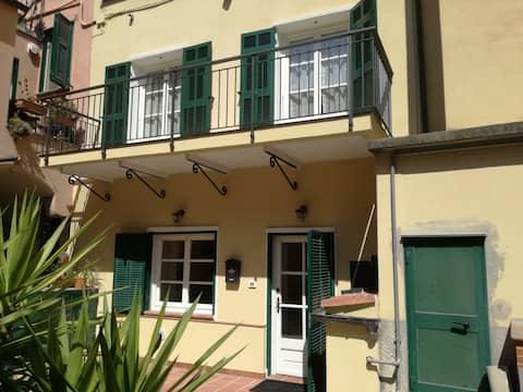 La Rondine Guesthouse