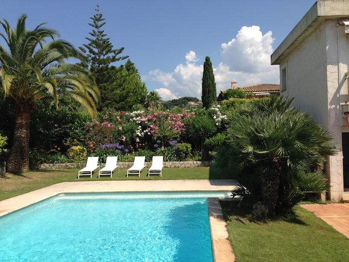 Villa Pool, Hills, Sea View in Nice