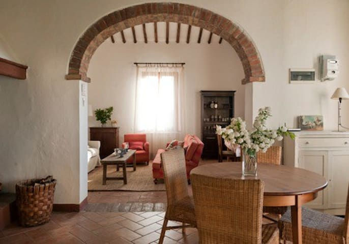 lovely farm-house 5 km from Siena