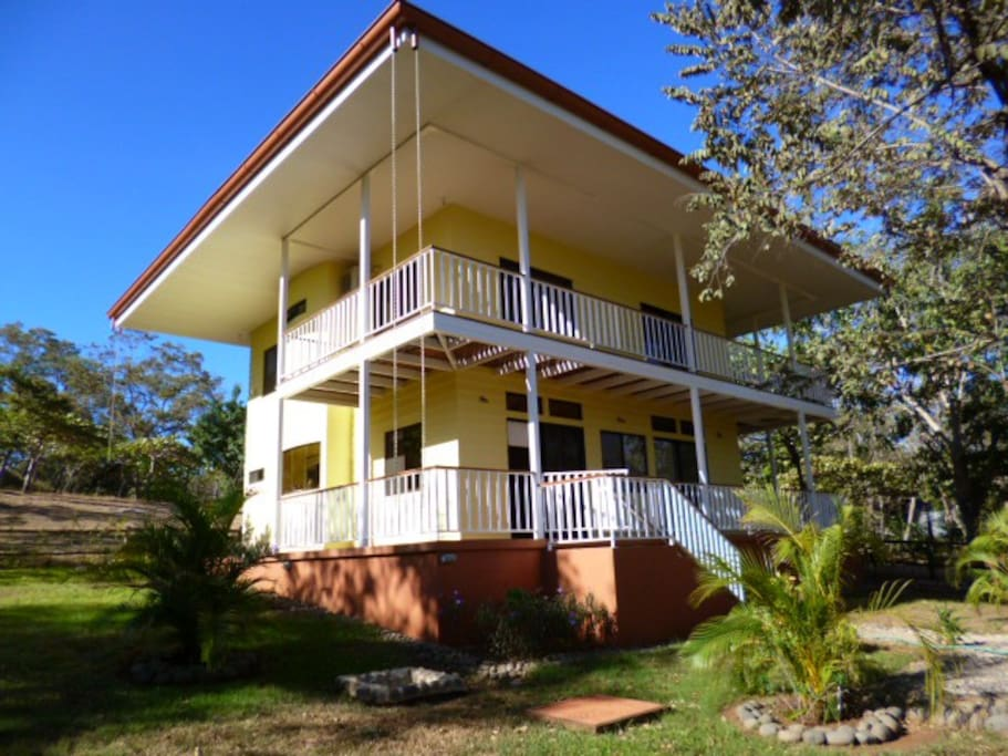 Casa amarilla houses for rent in tamarindo guanacaste for Costa rica rental houses