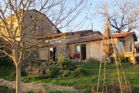 Maison écologique proche Figeac - Planioles