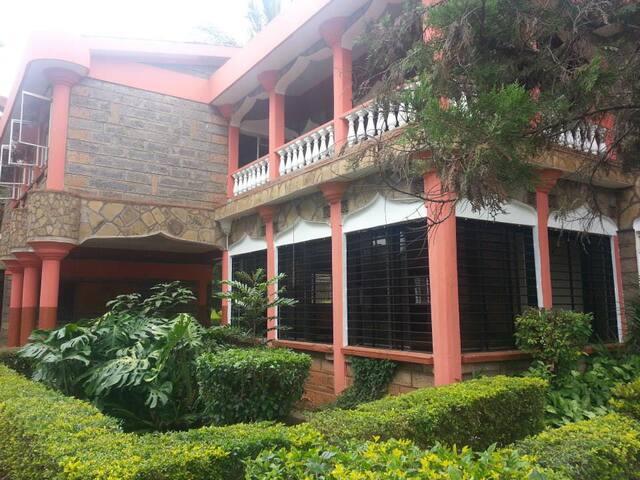 Executive Homestay - Nairobi - Haus