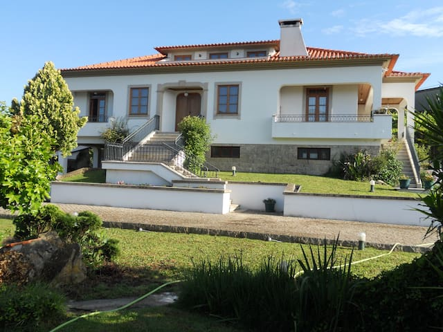Villa with 5000m2 in Arouca