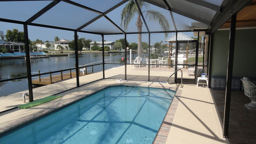 Enjoy it All-Pool,Dock,Beach,Gulf!  - Hernando Beach - House