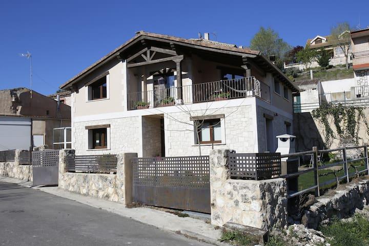 House Fompedraza, Ribera del Duero 8km to Peñafiel - Fompedraza - Huis