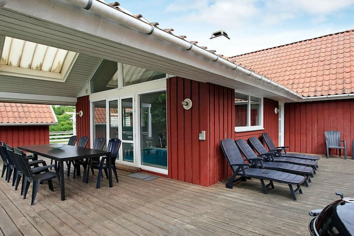 Homely Holiday Home in Juelsminde with Sauna