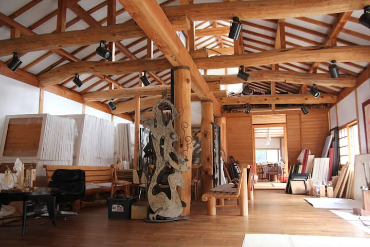 Artist's atelier in the Mountain