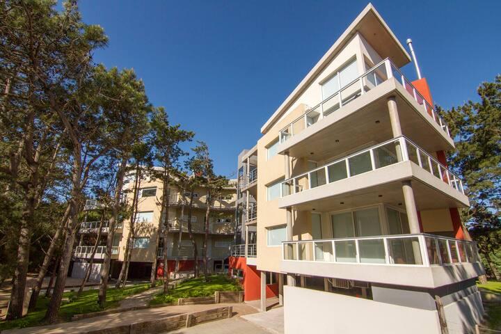 Depto 4 ambientes premium terraza y jacuzzi uf 13