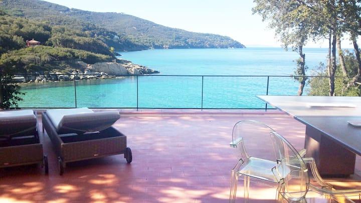 *Paradiso d'inverno a 20 metri dal mare in villa*