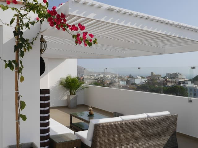 Luxury Rooftop Terrace - Private bedroom -  Lima - Apartment