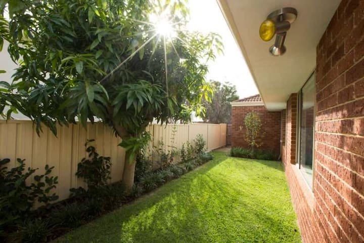 Canning River*Mt Pleasant*Spacious*3BR House