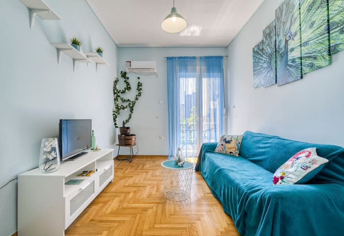 Sunny cozy 1bd apartment near Acropolis