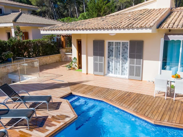 Romani - Cozy chalet with pool in Can Picafort