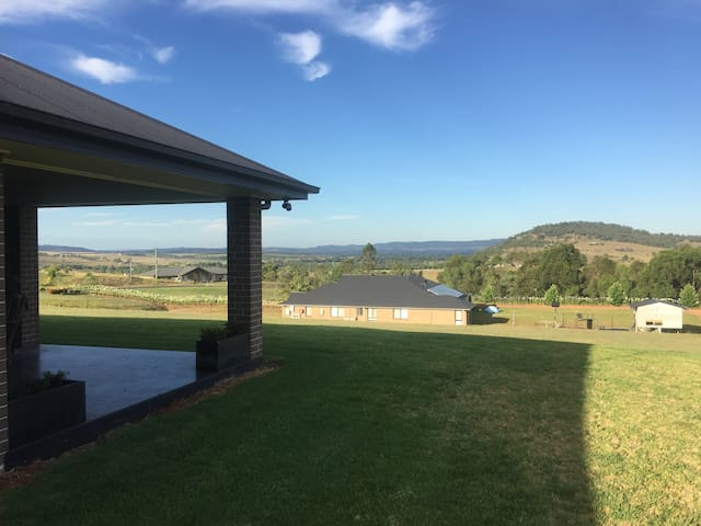 MOST POPULAR! Entire house with vista views - GLENBAWN