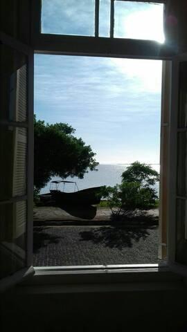 Pousada Castelinho a beira do Rio Guaiba !