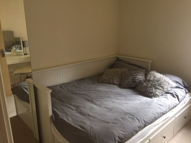 Modern Double Room Excellent Location, Northampton - Northampton - Flat